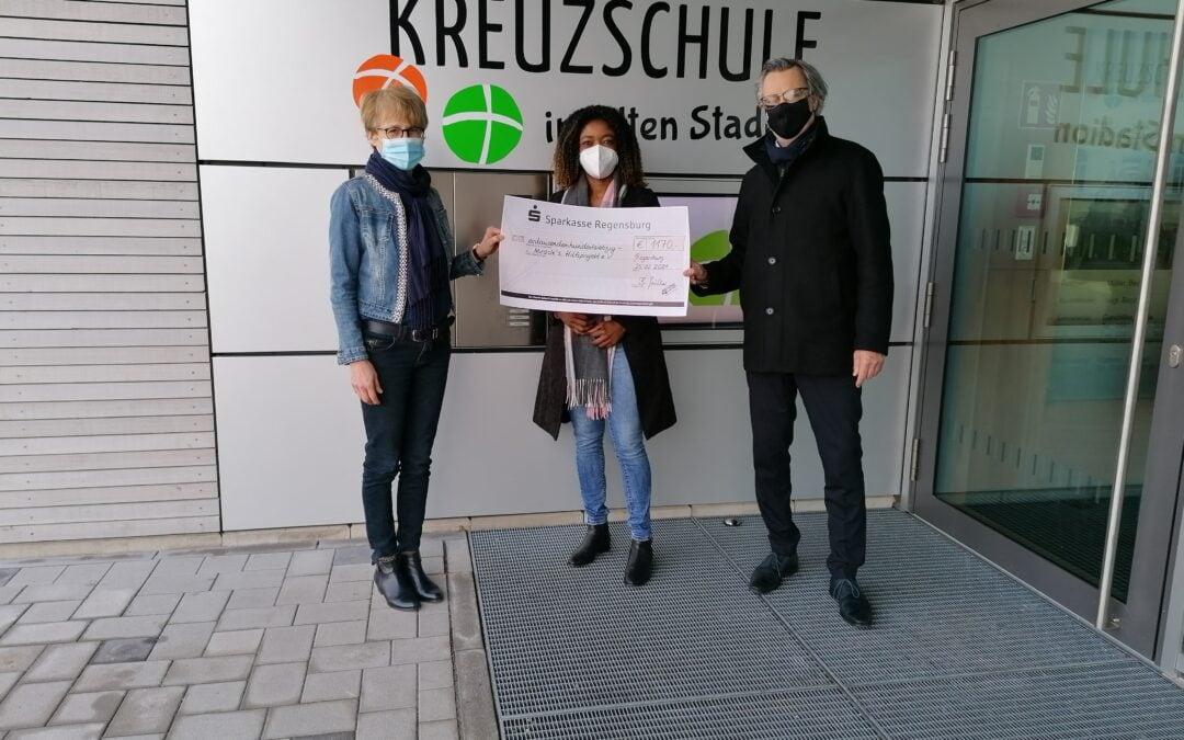 Spendenübergabe für Miracle's Hilfsprojekt